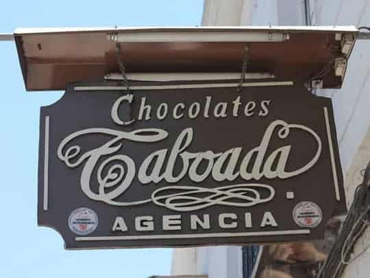 The rich chocolate of Sucre's artisan chocolate shops brings queues to the doors every feast day.