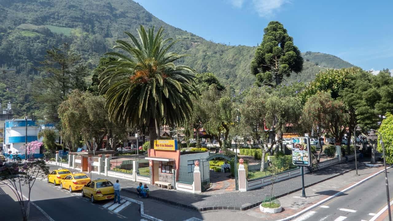 The plaza near Erupcion Art Hotel and Hostel, Ecuador