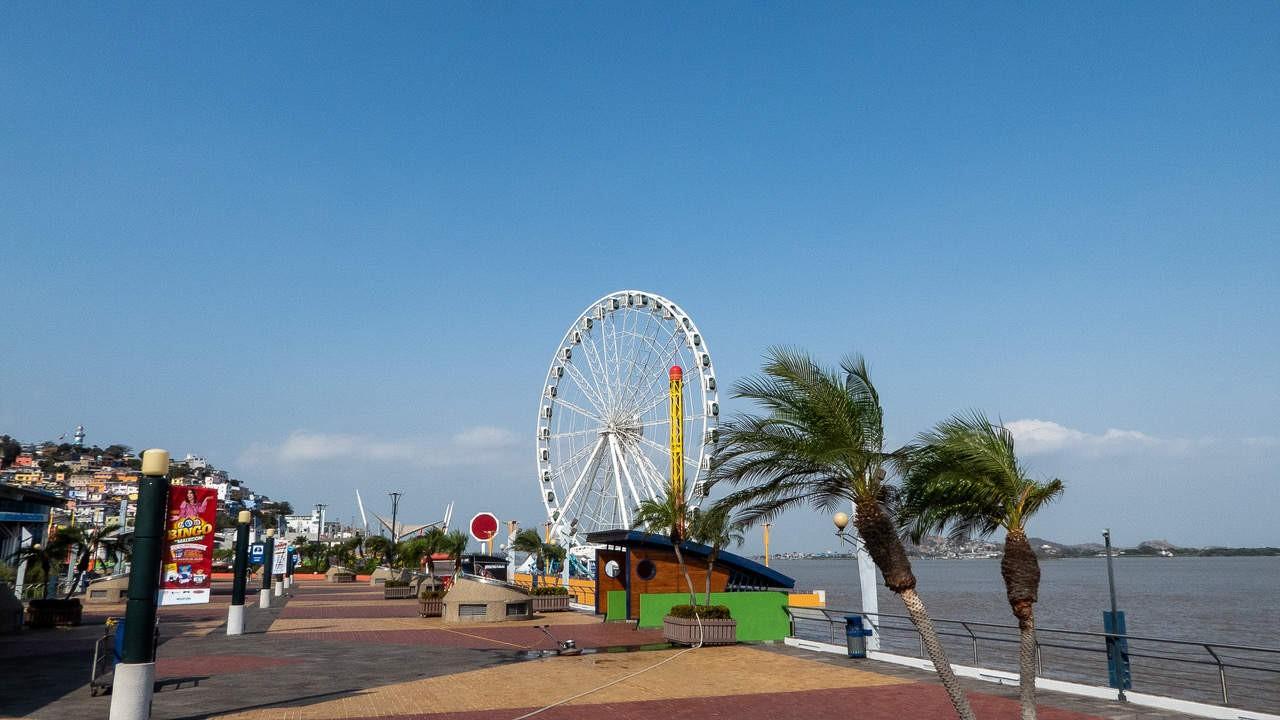 Breezy La Perla offers a scenic bay view of Guayaquil, Ecuador.