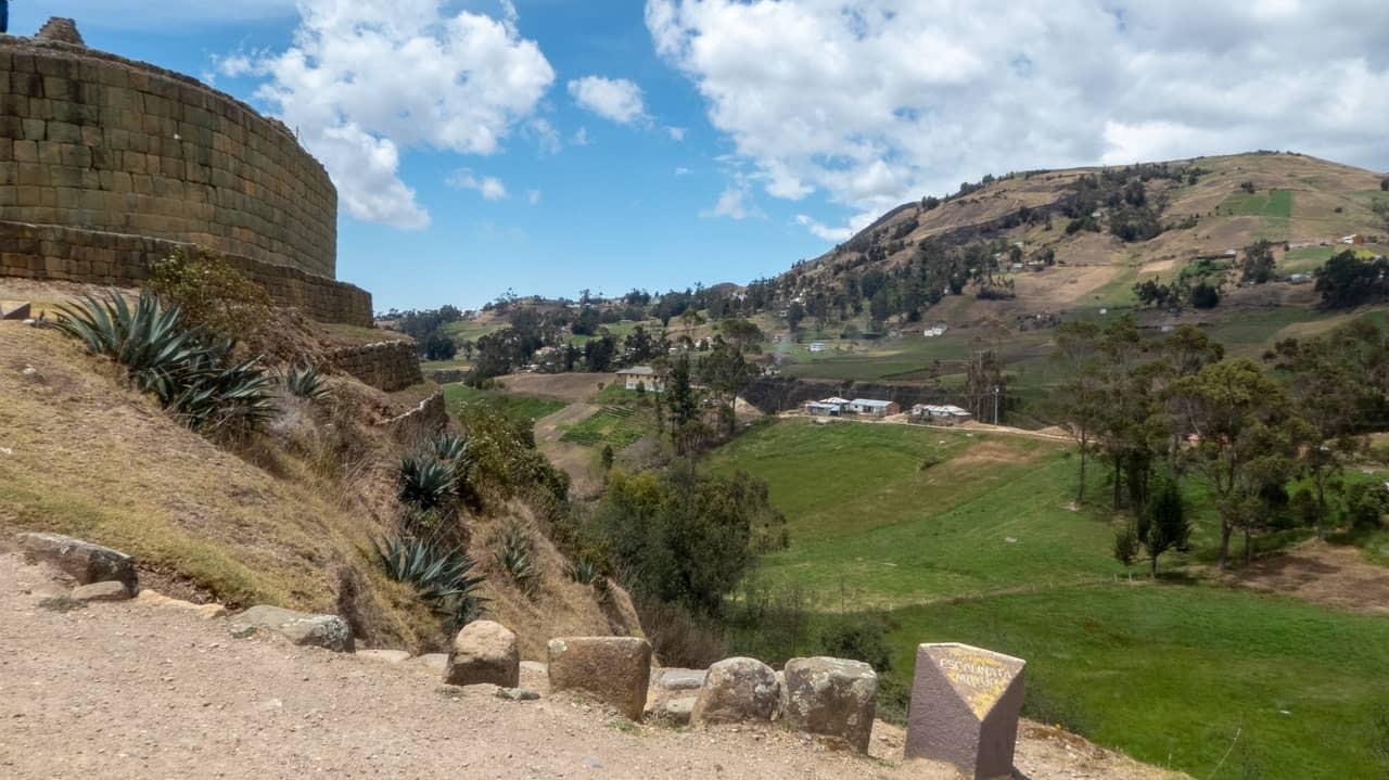 Bask in stunning views in Ingapirca, Ecuador