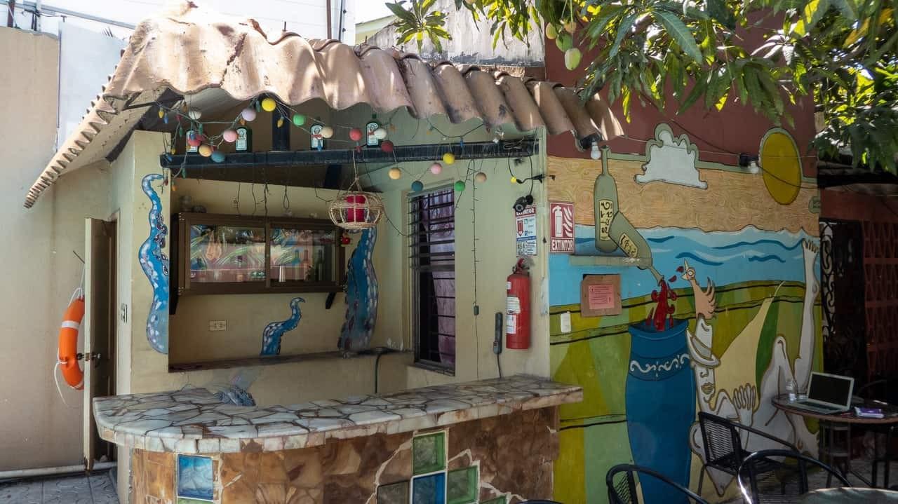 Shady areas outside Hostel Nucapacha, Guayaquil, Ecuador