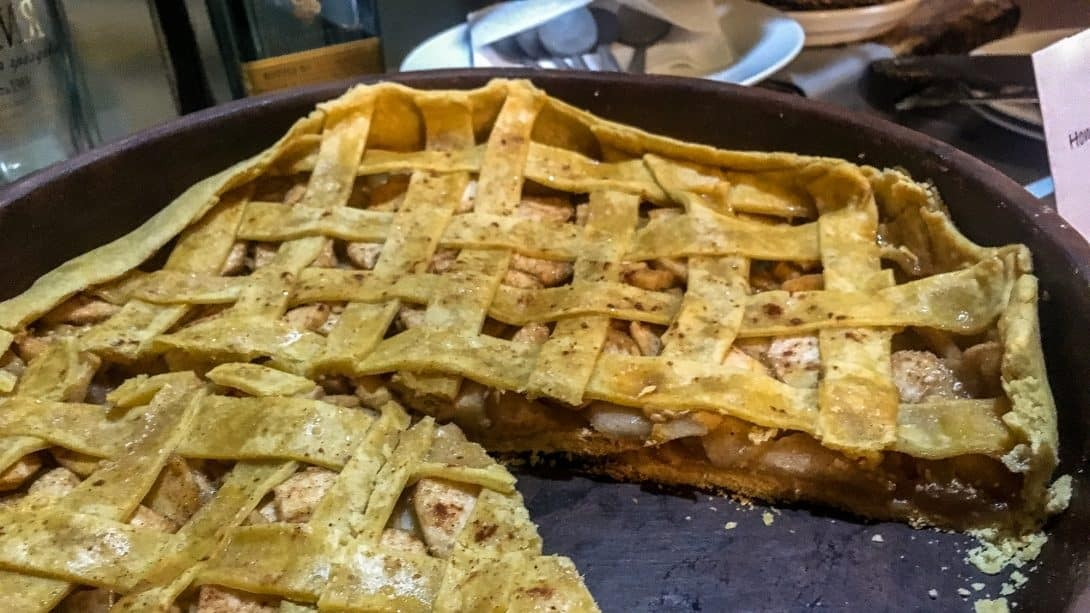 A home cooked apple pie at Limbo Jump, Arequipa