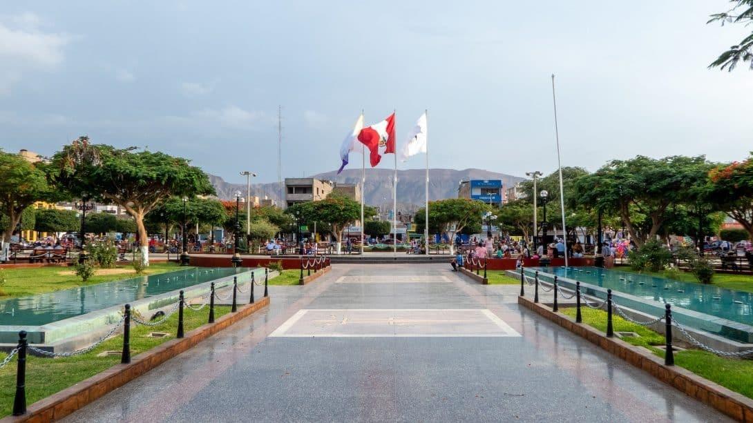 Plaza de Armas, Nasca