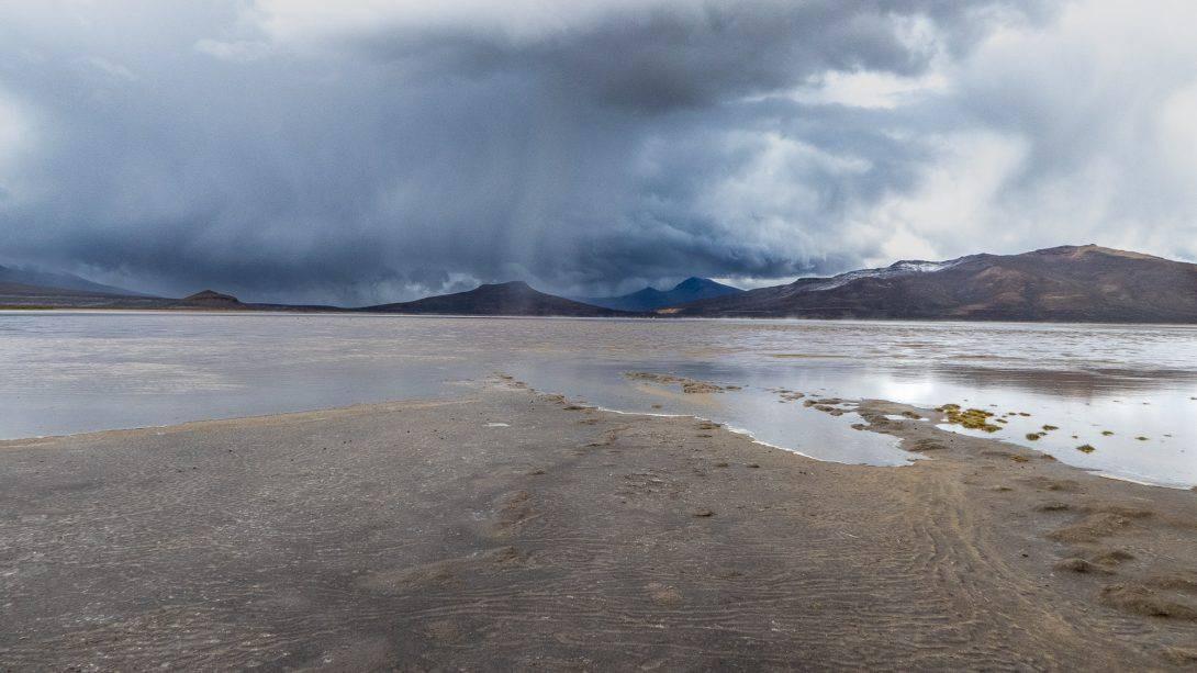 Salinas Salt Lagoon in bad weather