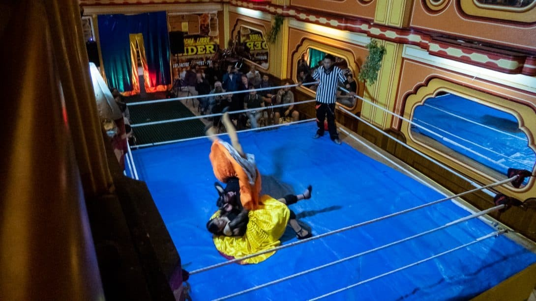 Cholita Wrestling in La Paz with Be a Local