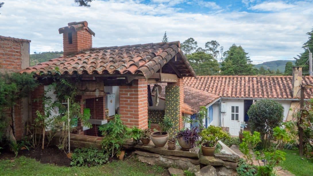 The garden at Casa Lynda in Samaipata