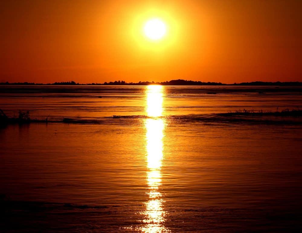 Sunset over Amazonas