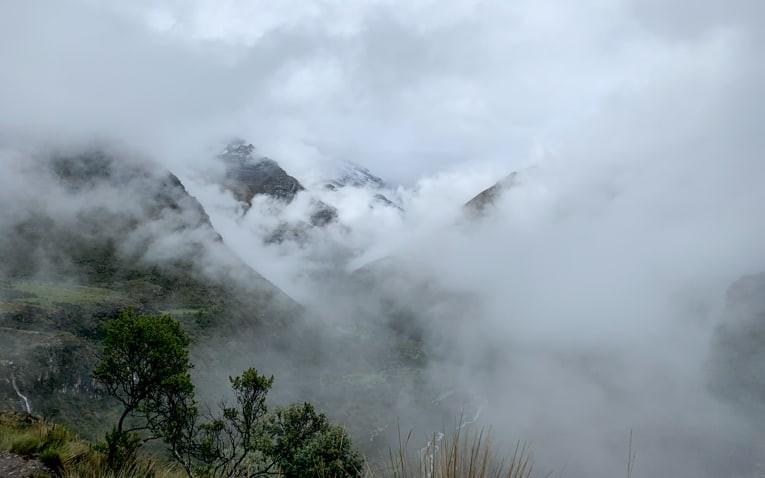 Cloudy landscape on Laguna 69 trek.