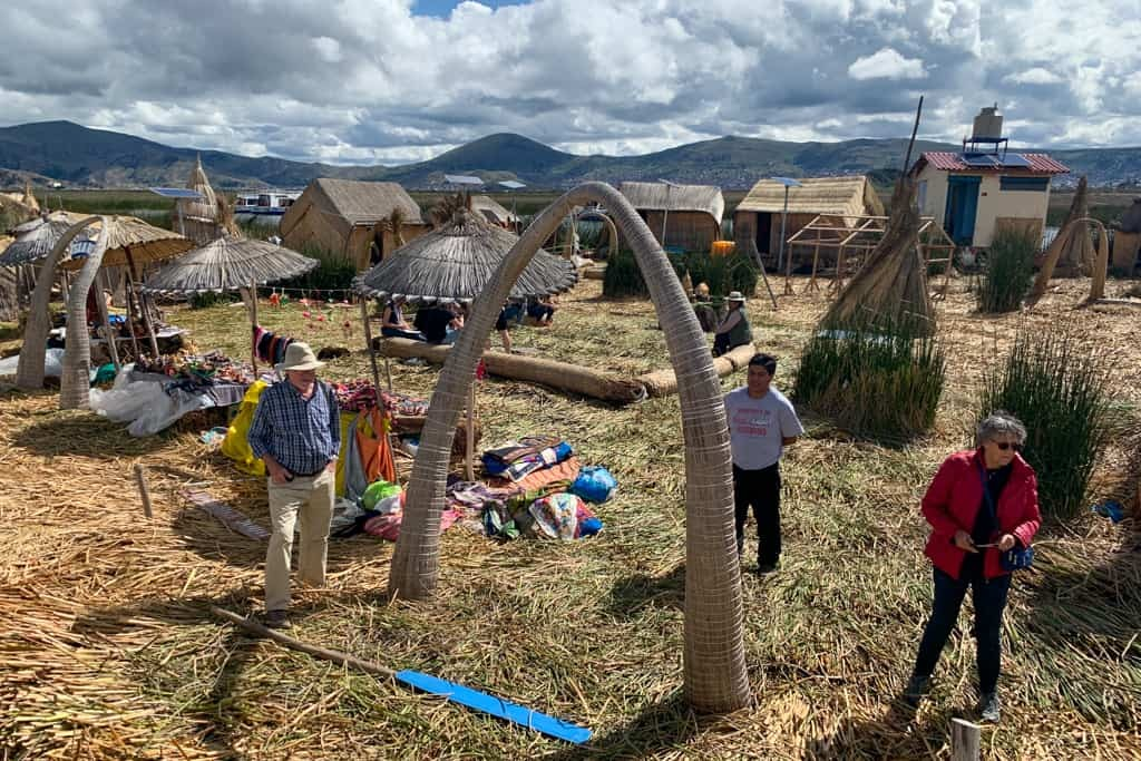 Groups of tourists on Uros