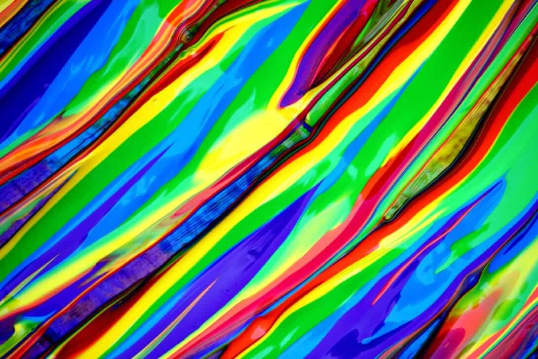 Bright Colours and Trippy Lines