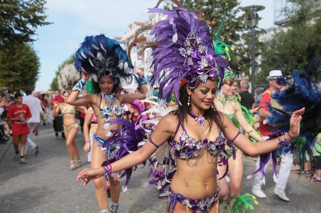 Samba dancing carnival