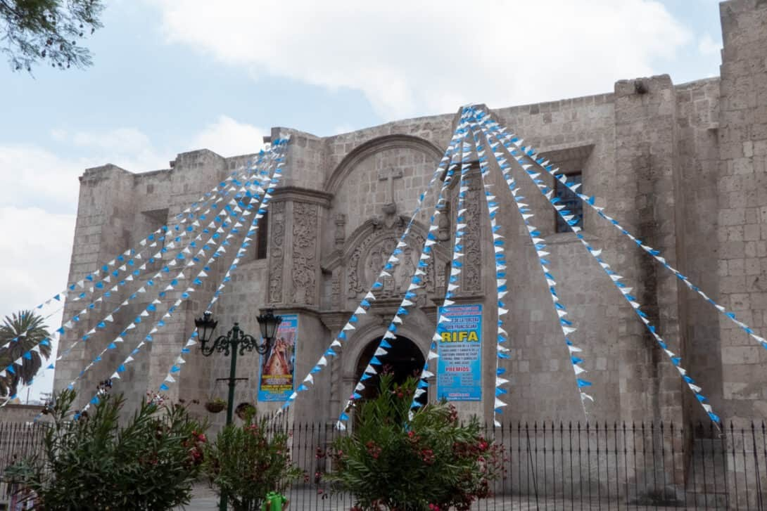 Arequipa white building